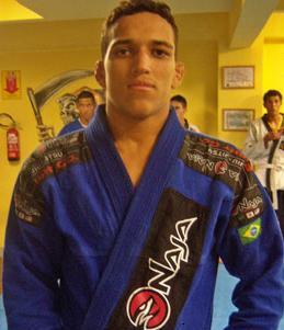 "Charles ""do Bronx"" Oliveira"